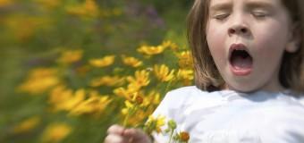 В США неизвестная болезнь заставляет девочку чихать целыми днями