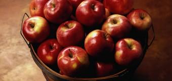 Укрепить мышцы в пожилом возрасте помогут яблоки и помидоры