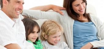 Телевизор делает родителей невнимательными по отношению к их детям