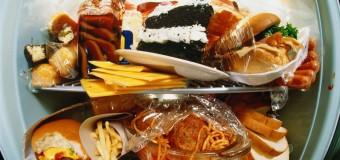 Жирные продукты вызывают воспаление, приводяшее к ряду заболеваний