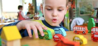 Развитие ребенка зависит от типа игрушек